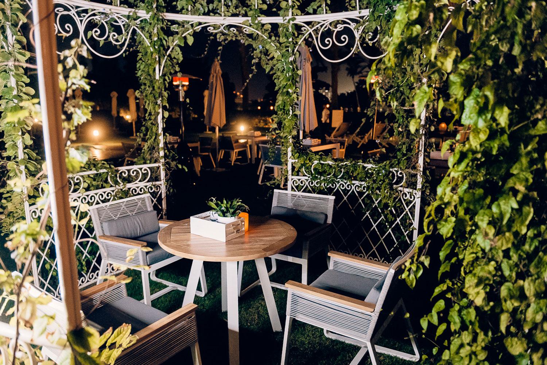 Bounty-Beets-dubai-pink-restaurant-hotel-tree-garden