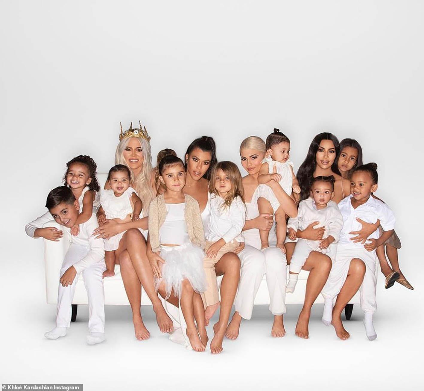 The Kardashian Christmas Card 2021 Er Where S The Kardashian Christmas Card Celebs Cosmopolitan Middle East