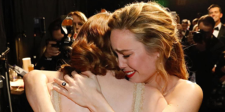 Emma Stone Crying With Brie Larson Back Stage Is The Cutest Oscars Moment
