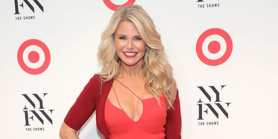 Christie Brinkley Looks AMAZING In A Swimsuit At 63