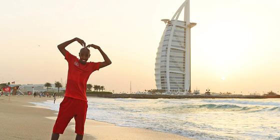 This Video Of Mo Farah Running Through Dubai Is Amazing