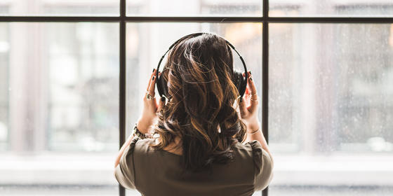 Calling All Busy Girls: We Have The Perfect Perk-Me-Up Playlist For Your Early Morning Dubai Commute