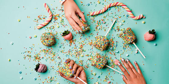 4 Ways To DIY Candy Nails