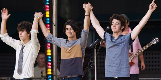 Umm, The Jonas Brothers Might Be Reuniting And I Am Not OK