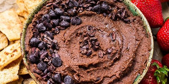 You Need To Make This Chocolate Hummus ASAP