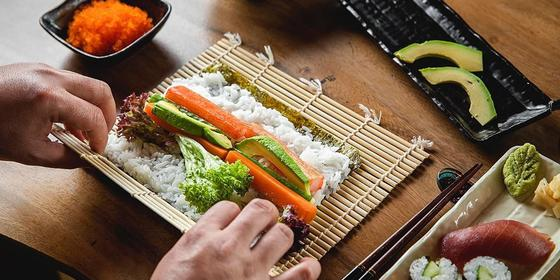 Hold Up, You Can Become A Sushi Master Chef This Summer!!