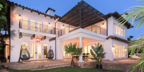Justin Bieber and Hailey Baldwin's Los Angeles Rental Home Is Selling for Approx Dhs31 million!