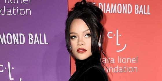 Twitter Is Convinced Rihanna Is Pregnant After Watching Her Diamond Ball Performance and Interview