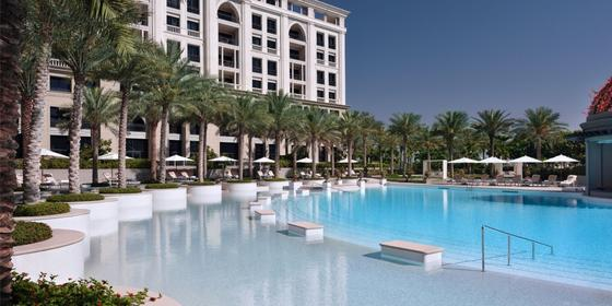 Swim, Dine And Party At The La Piscina By Palazzo Versace