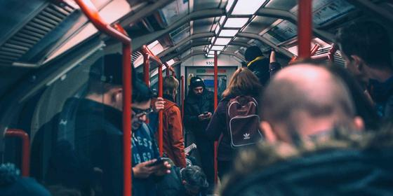 10 Things That Drive Us Crazy On The Metro