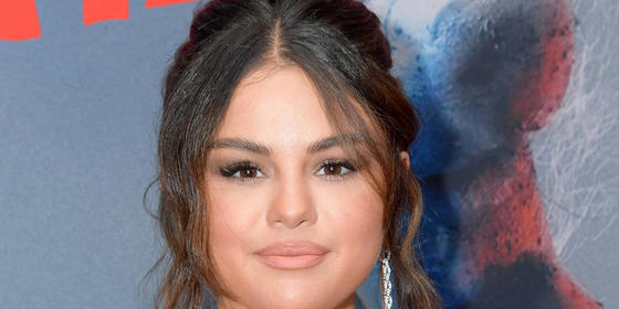 How Selena Gomez Reacted To Bella Hadid Deleting Her Instagram Comment