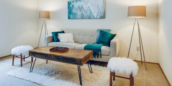 5 Easy Ways To Make Your Tiny Living Room Look Way Bigger