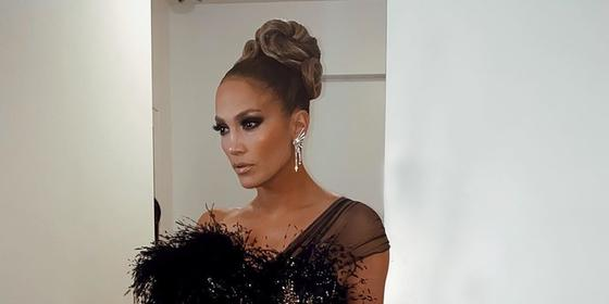 The Dhs29 product Jennifer Lopez's makeup artist uses to make her foundation last all day