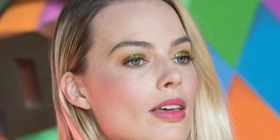 Margot Robbie's bringing back green glitter eyeshadow