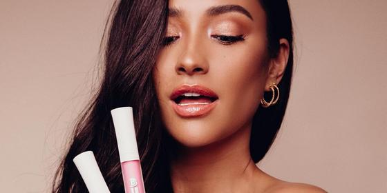 The best of Shay Mitchell's beauty looks