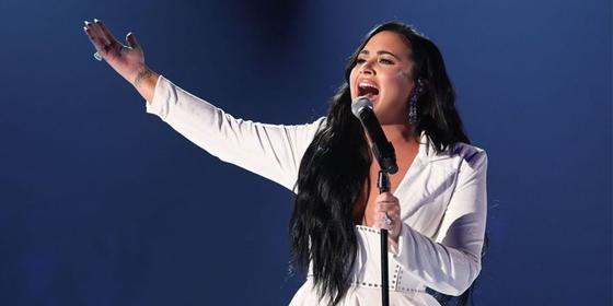 Demi Lovato shares a rare and beautiful barefaced selfie