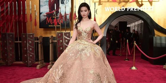 Liu Yifei looked like a real life Disney princess at the Mulan premiere in an Arab designer