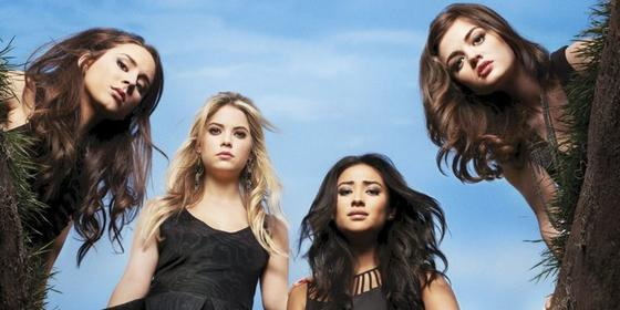 Stop everything: There's a Pretty Little Liars reunion on the way