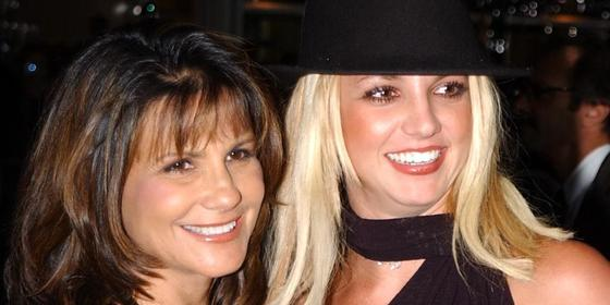 Britney Spears's mum wants to be involved in her finances