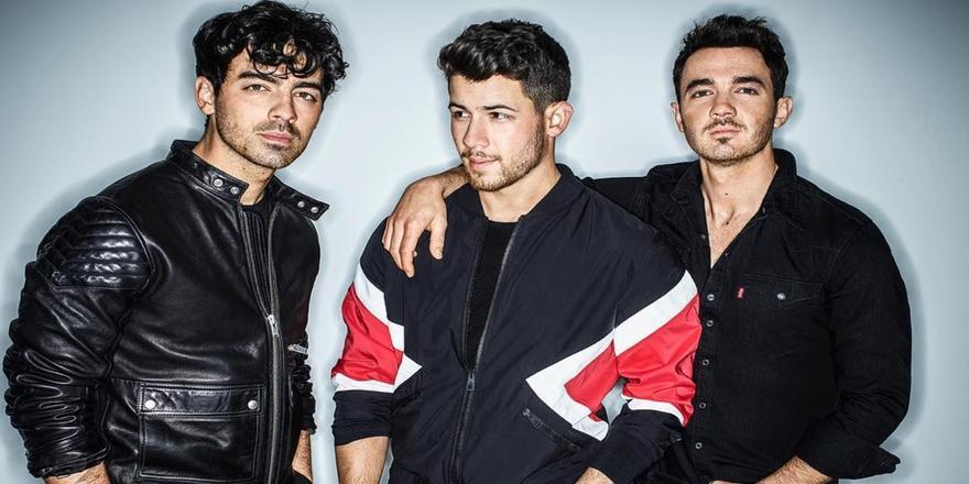 Guys, We Know Who Originally Broke Up The Jonas Brothers
