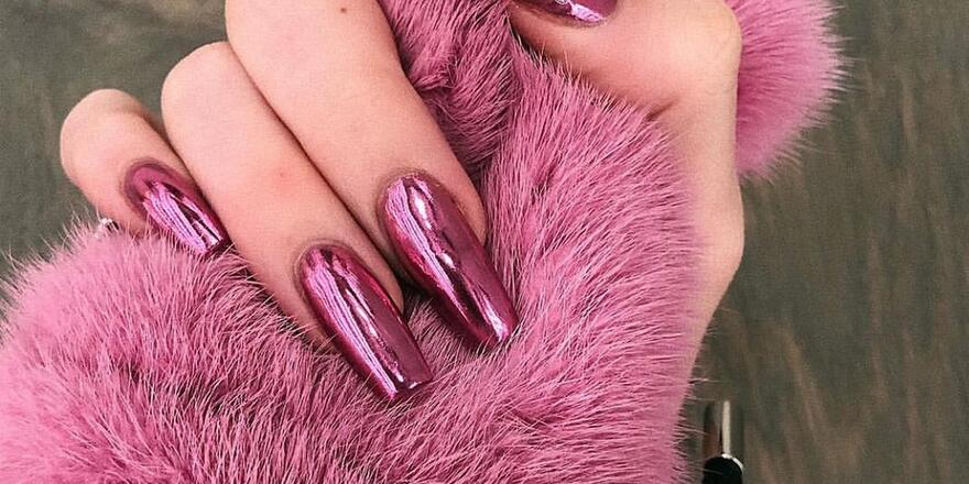 How To Create Salon Approved Chrome Nails In 3 Easy Steps