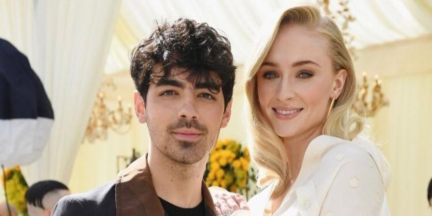 The Best Reactions To Joe Jonas And Sophie Turner's Unexpected Wedding
