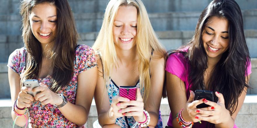 Quiz: Which Group-Text Stereotype Are You?
