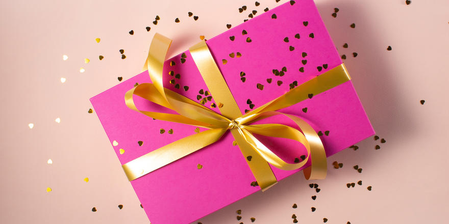If You're Looking For A Gift, Here Are 7 Gift Sets Under Dhs100