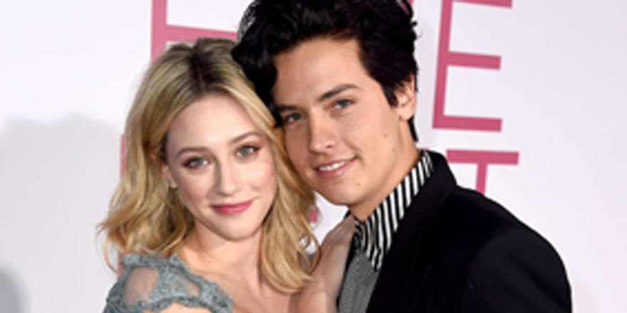 "So Apparently Lili Reinhart and Cole Sprouse Act Like Their Summer Breakup ""Never Happened"""