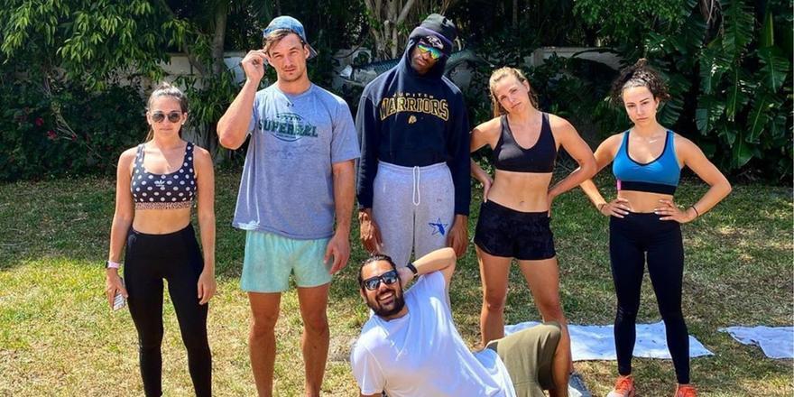 Kay, so here's everyone in Hannah Brown and Tyler Cameron's TikTok Quarantine Crew