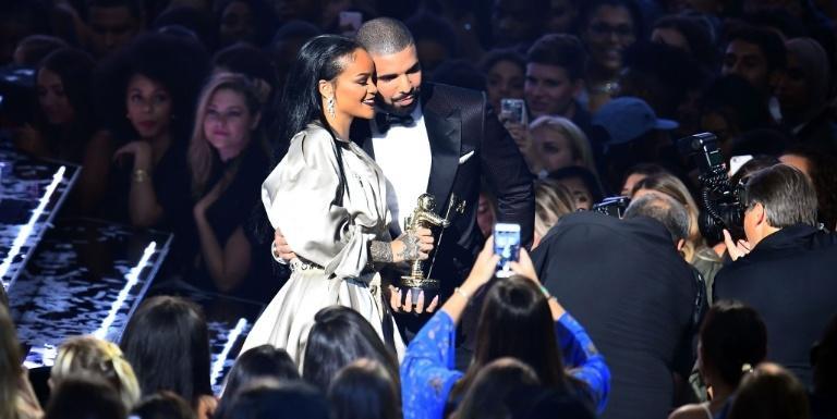 Rihanna and Drake Broke Up Again *Sigh*