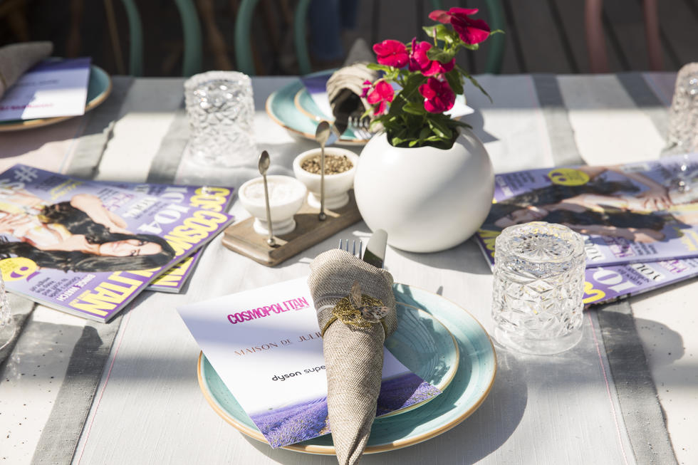 The pretty table setting