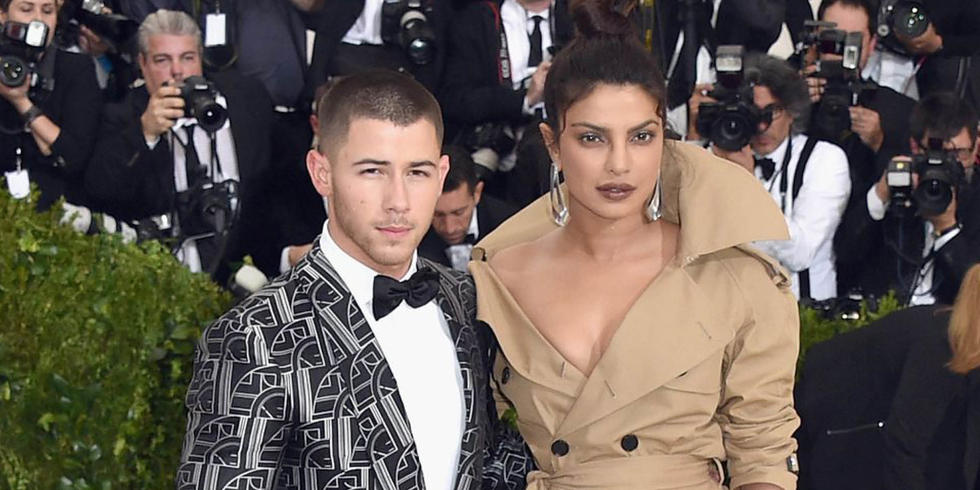 Priyanka Chopra And Nick Jonas Just Went On A Dinner Date And There Was PDA
