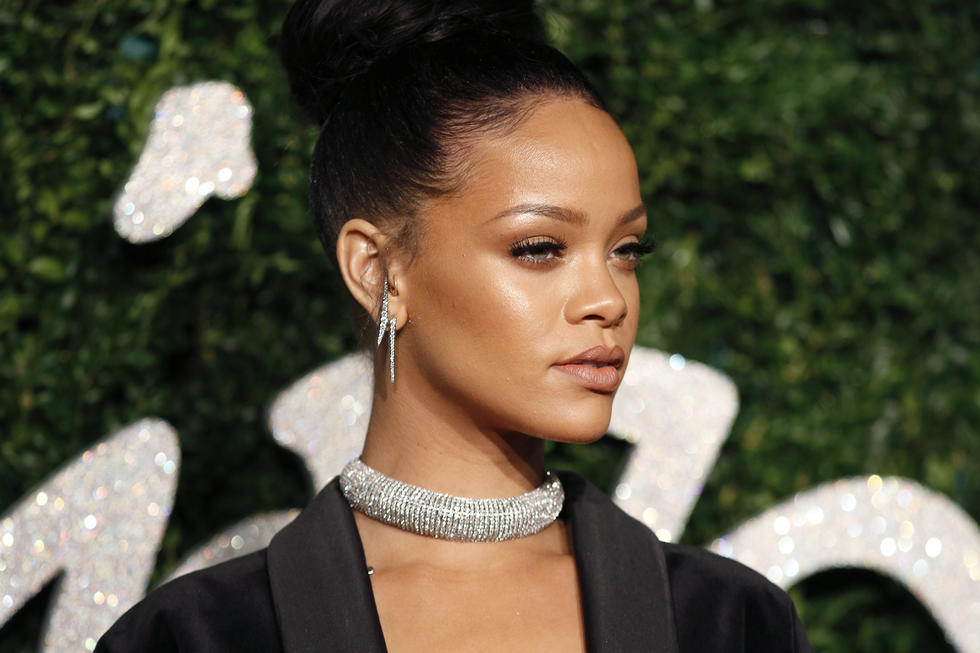 Rihanna Will Be Hosting The First Ever 'Fenty Beauty Artistry & Beauty Talk' Right Here In Dubai