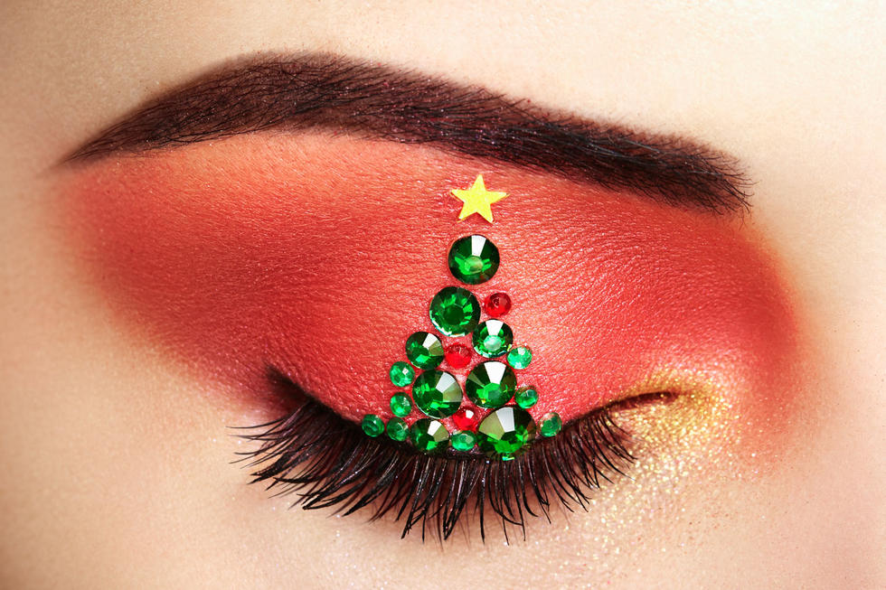 These Are The 10 Make-Up Looks That Will Completely Transform Your Holiday Season