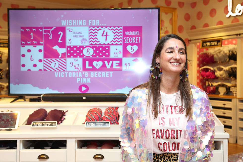 Lucky shoppers who spent Dhs300, got the chance to win the prize that coincides with the VS PINK Advent calendar. It was soo thrilling!