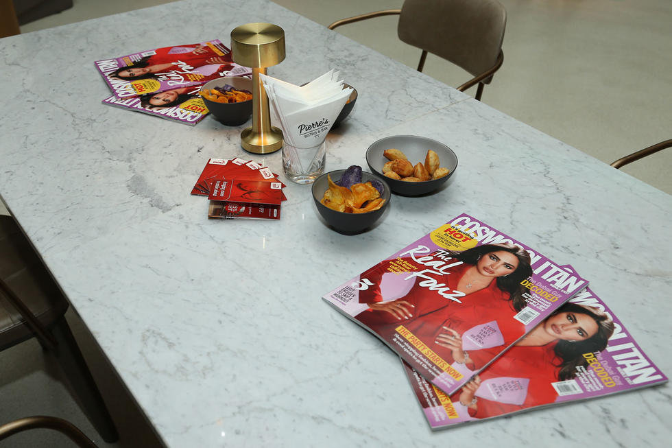 The Real Fouz, our fierce December issue cover star, was present on all tables at Pierre's that night, giving guests the perfect opportunity to catch up on their much needed dose of all things Cosmo.