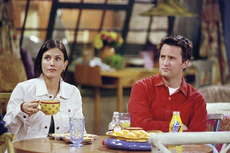 Courteney Cox just tried the Friends filter and it's so LOL