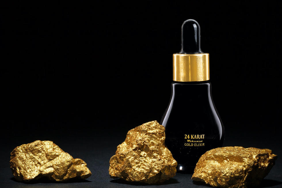 A Gold-Infused Anti-Ageing Face Oil Has Launched In Dubai