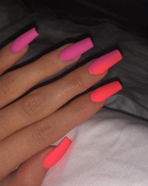 Celebs, Nails, Khloekardashian, Kyliejenner, Kendalljenner, Dualipa, Lilyallen, Gigihadid, Imaanhammam, Nail Trends, Nail trend, Summer, Celebrity nail trends, Beauty