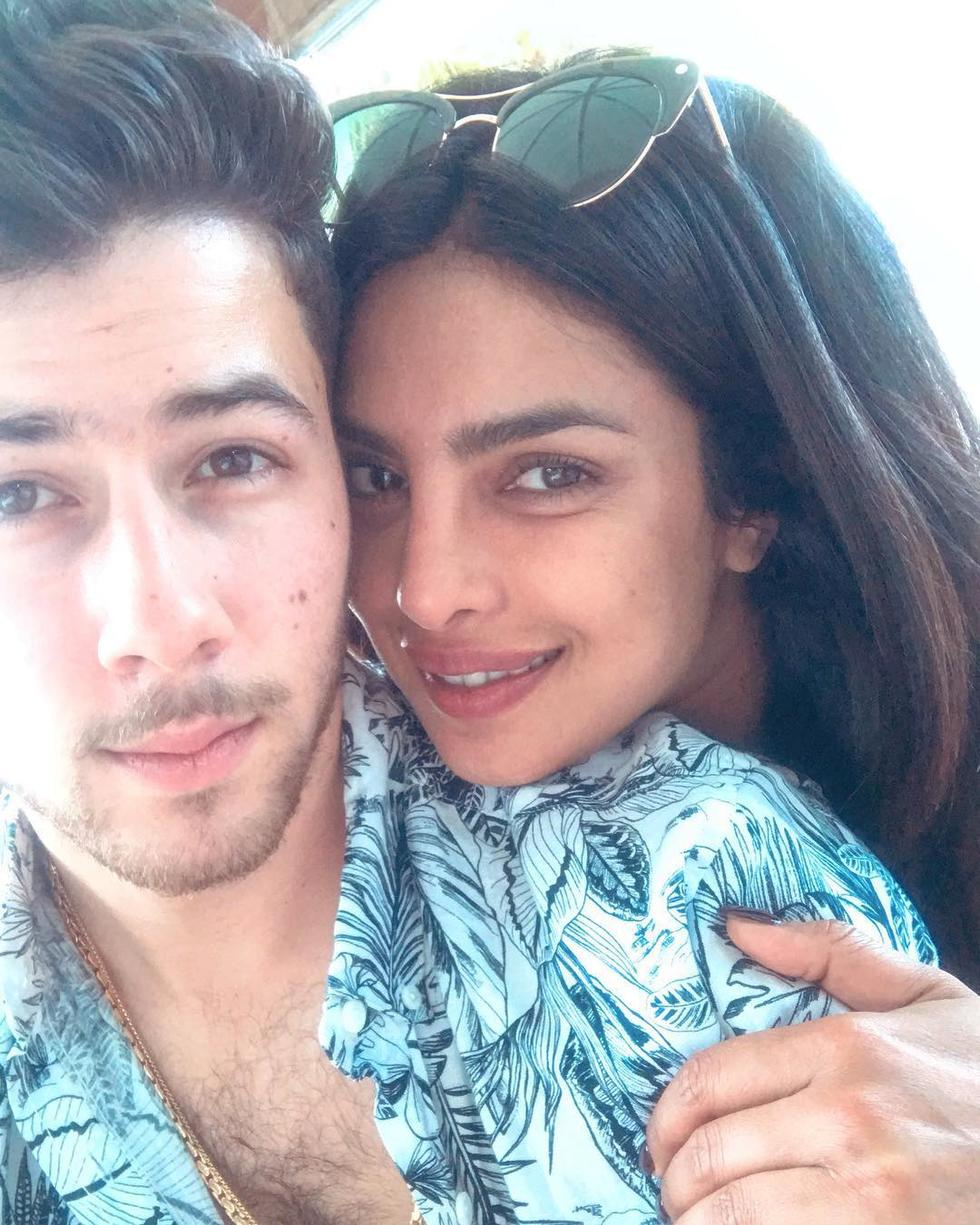 Priyanka Chopra And Nick Jonas Went On A Romantic Cruise In Paris And It's Giving Us All The Feels
