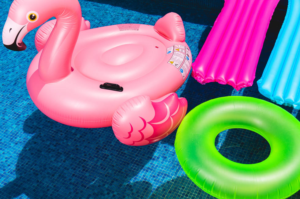 Your Guide To The Coolest Biggest Pool Floats In Dubai