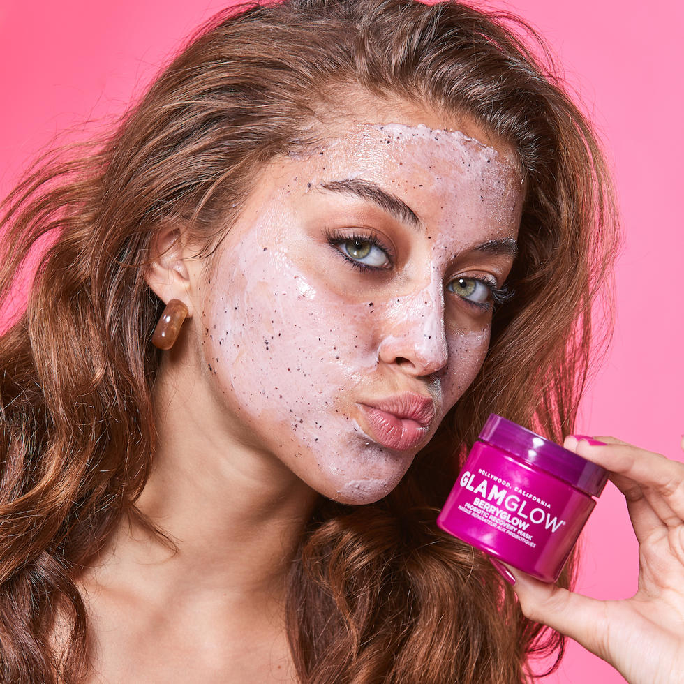 Beauty loot: Glam Glow Berry Glow Probiotic Recovery Mask