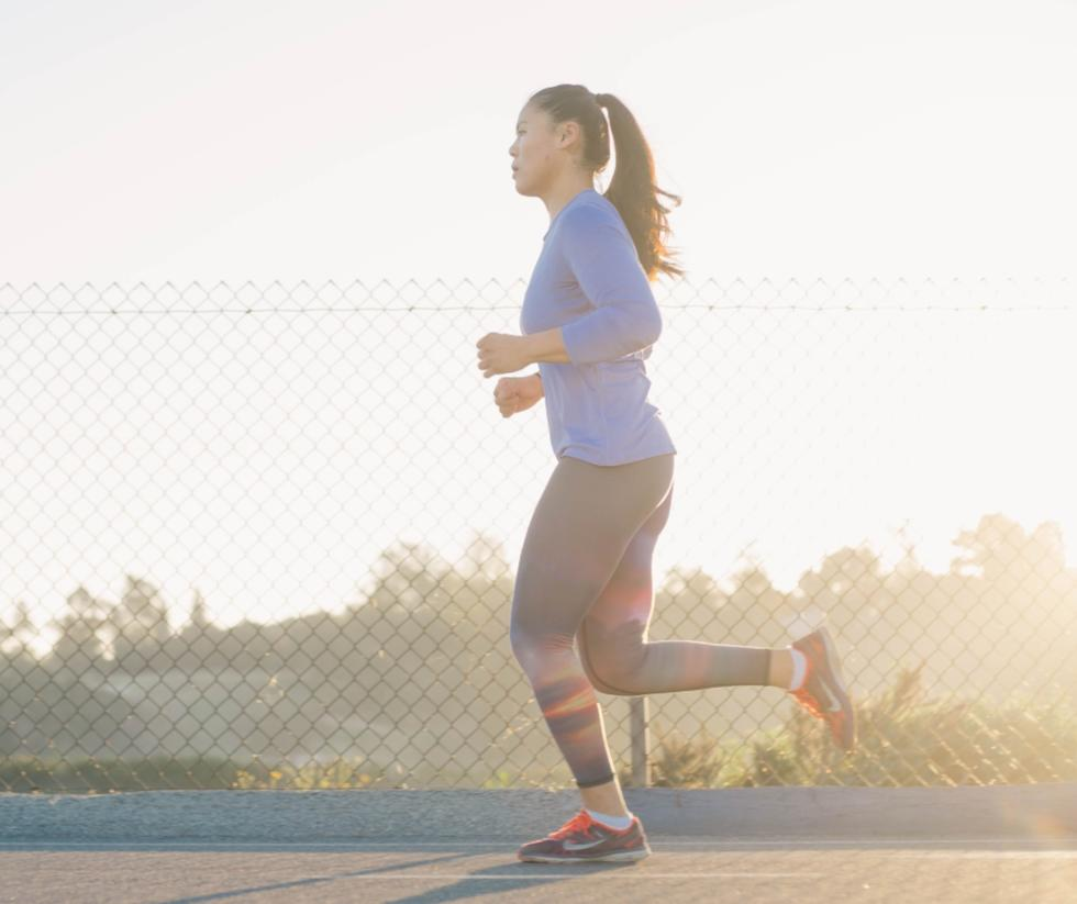 Why You Should Stop Holding Your Phone While You Run