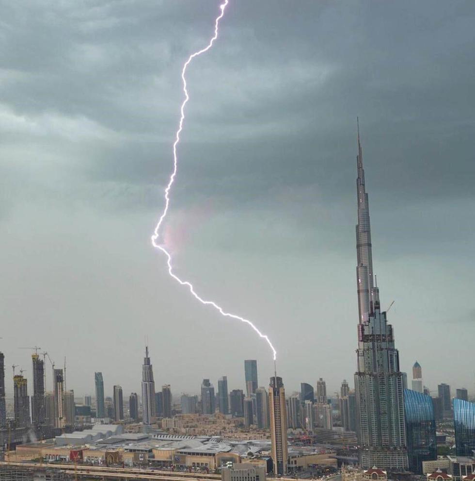 We've Got Pics: Dubai Mall FLOODED Because Of Nine-millimetre Deep Rains Today