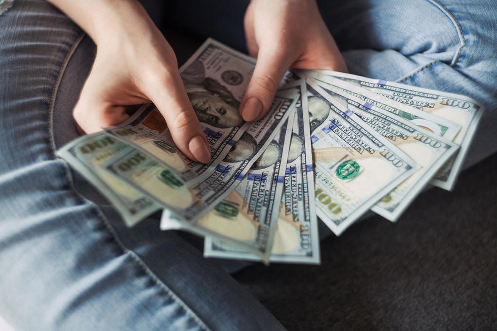 5 Genius Money Saving Tips In College