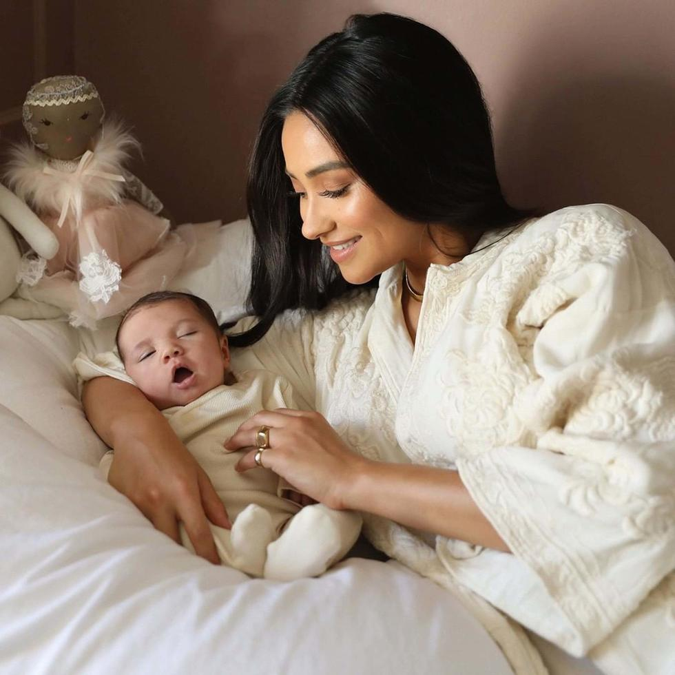 Shay Mitchell Just Posted The Best Mum Joke Ever