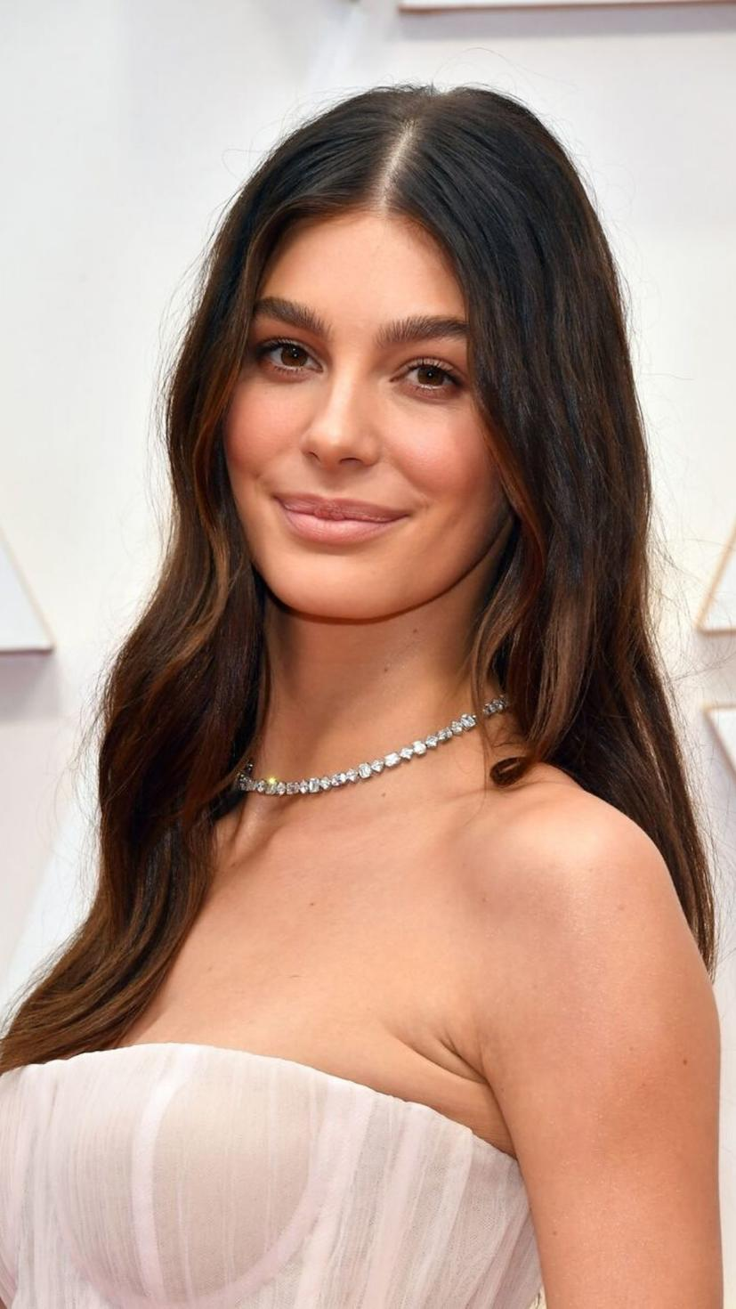 A simple, yet effective look highlighted Camila Morrone's natural beauty. She can really rock a nude makeup palette! Her effortlessly gorgeous hair was a head-turner at the Oscars!