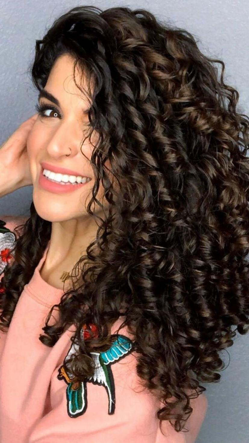 Curly hair trend, Curly hair celebrities, Curly hair, Curly hair influencers, Curly Hair Inspo