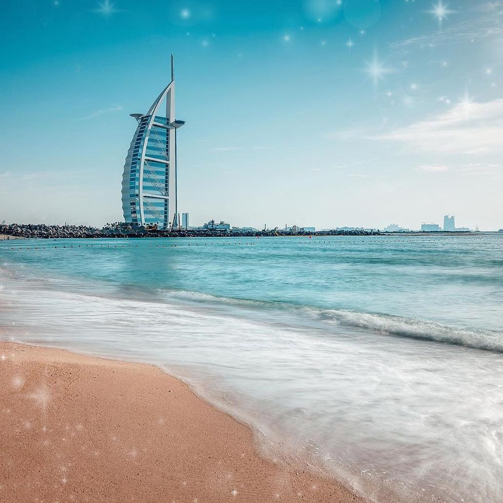 The UAE government announces the closure of beaches, parks and swimming pools